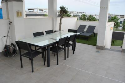 Top floor apartment in Oasis Beach La Zenia 2 Nº 074 in España Casas