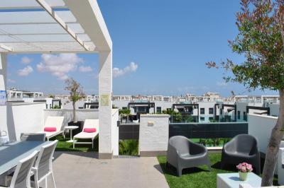 Top floor apartment in Oasis Beach La Zenia 4 Nº 102 in España Casas